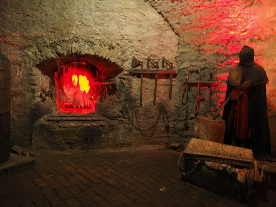 Dungeon in College of Wizardry Review Real Life Hogwarts Czocha Castle Poland Harry Potter LARP
