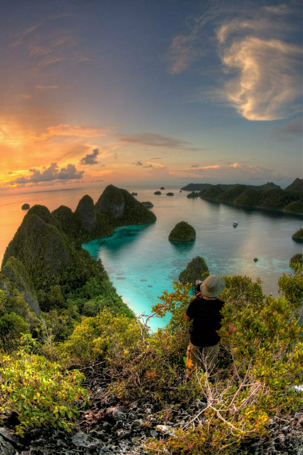 Wayag Island Raja Ampat Indonesia Photography - Beautiful Places in Indonesia Photos
