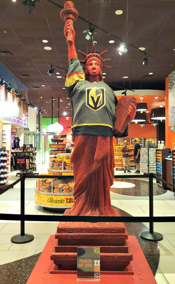 100 Free Things to do in Las Vegas - Twizzler Statue of Liberty at Hershey's Chocolate World