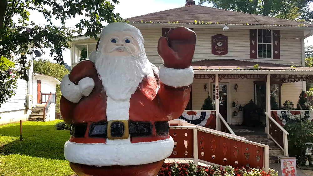The Christmas Shoppe - Things to Do in Helen GA Attractions