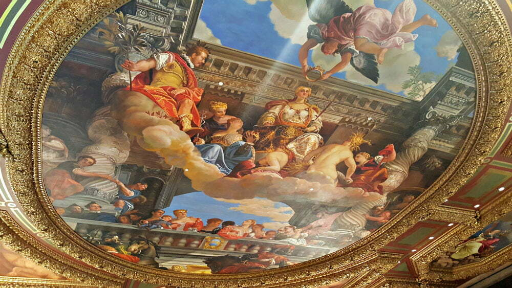 100 Free Things to do in Las Vegas - Ceiling Art Inspired by Sistine Chapel