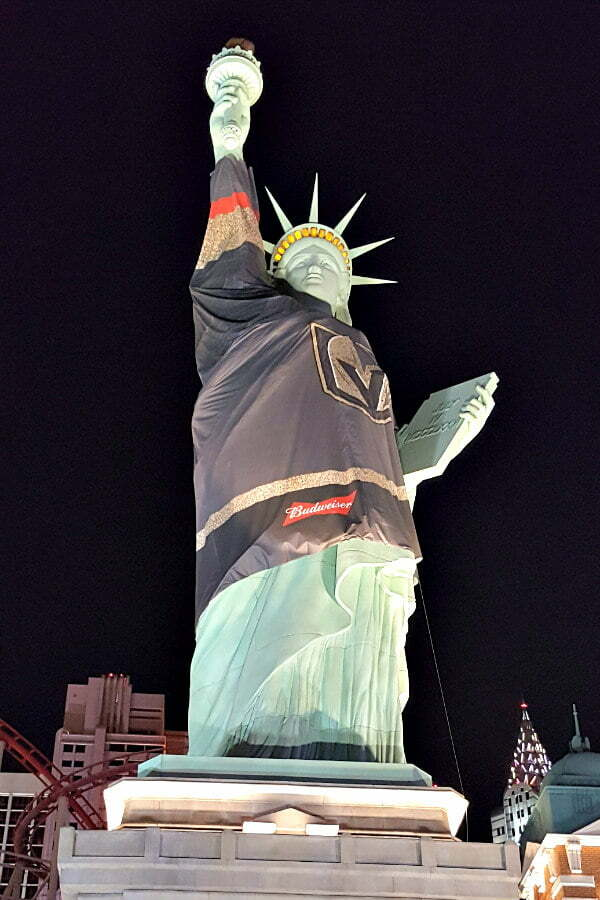 100 Free Things to do in Las Vegas - Statue of Liberty Replica