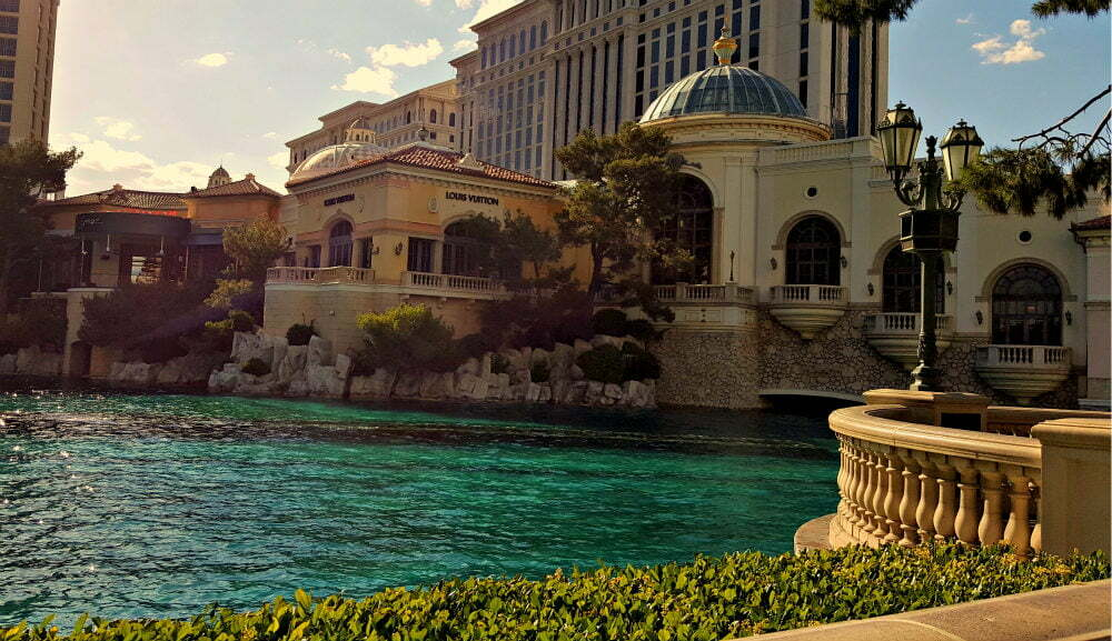 100 Free Things to do in Las Vegas - Lake Como in Bellagio Hotel Las Vegas
