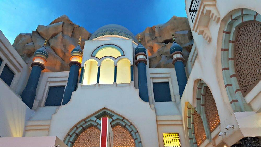 100 Free Things to do in Las Vegas - Aladdin at Miracle Mile Shops Planet Hollywood