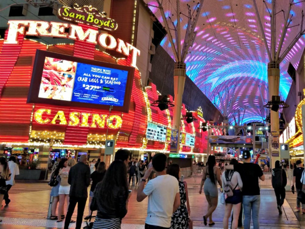 100 Free Things to do in Las Vegas - World's Largest Video Screen at Fremont Street Experience