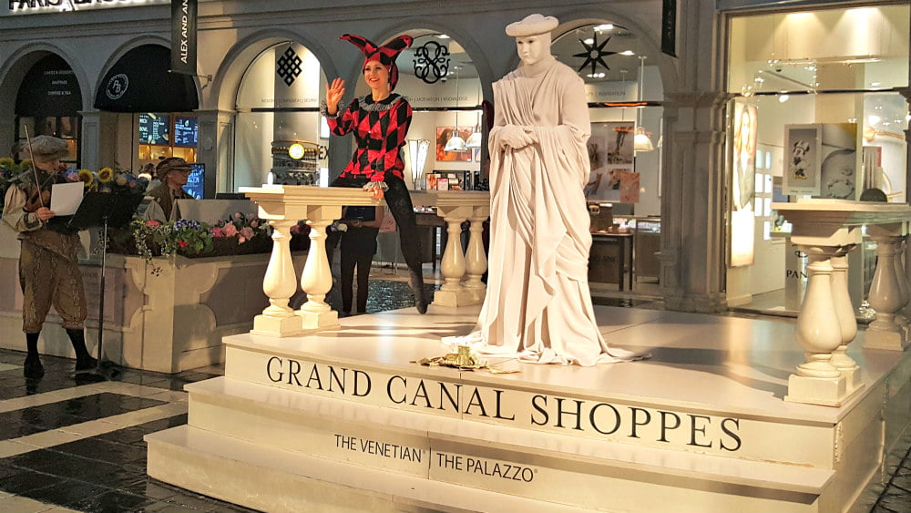 100 Free Things to do in Las Vegas - See the Living Statues at the Venetian Hotel