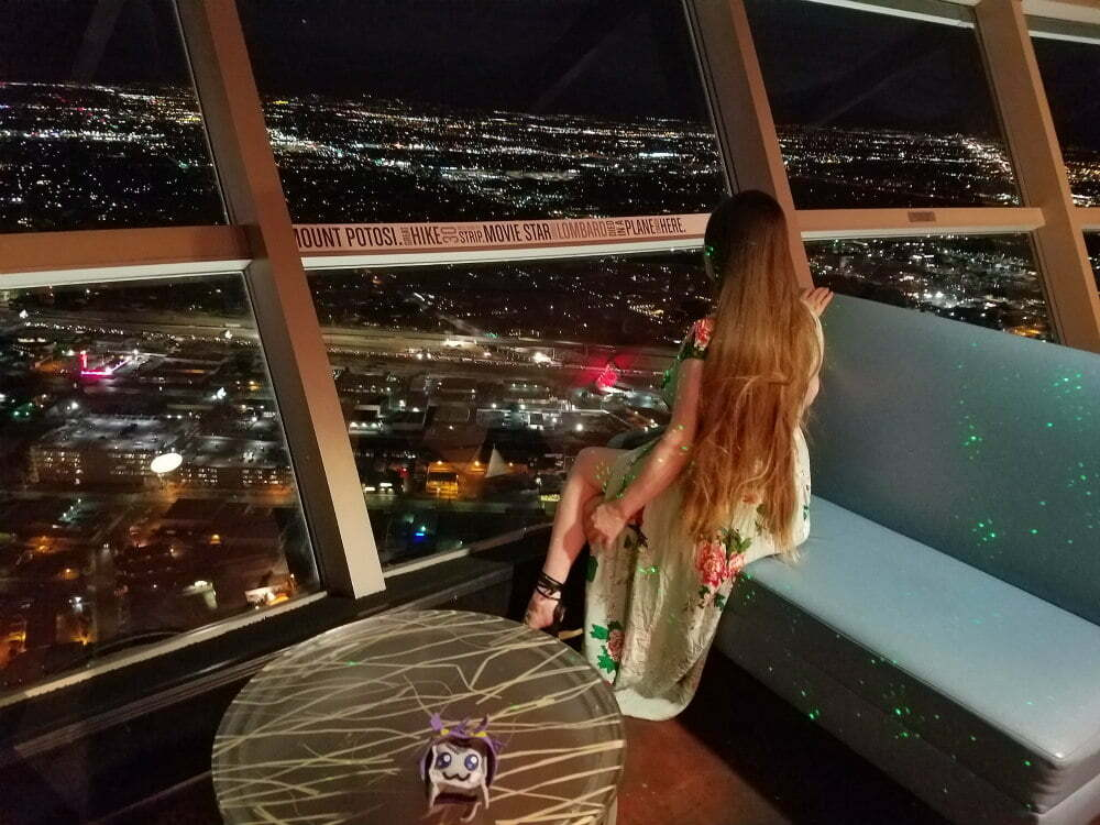 100 Free Things to do in Las Vegas - Nighttime Hotel View from Stratosphere Tower