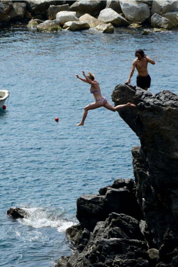 Manarola Harbour Cinque Terre Cliff Diving & Cinque Terre Cliff Jumping