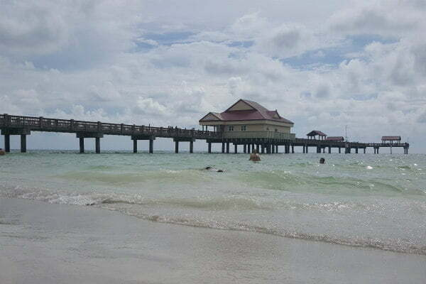 Best Clearwater Beach Hotels Near Pier 60 – Where to Stay Oceanfront with Private Balconies (A Comparison Guide)