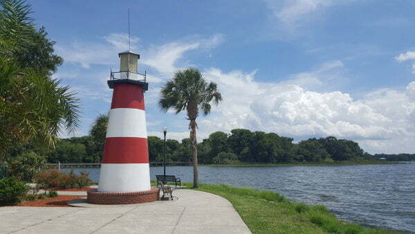 Free and Fun Things to do in Mount Dora Florida – Lighthouse, Lake, Shops, Restaurants, and Events
